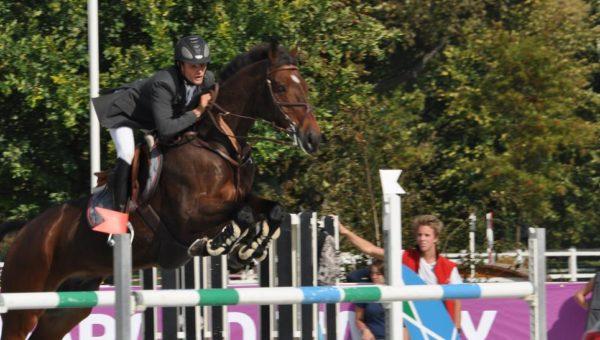Jardy : Nicolas Touzaint remporte la finale du Grand National 2011