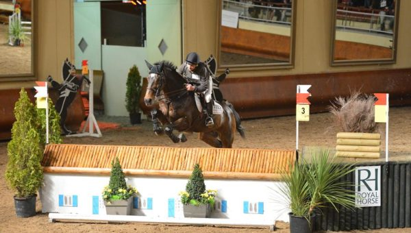 Un cross indoor pendant le Jumping de Bordeaux