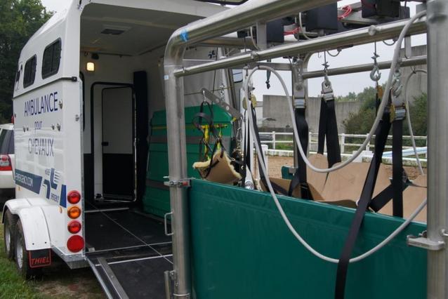 Nouveau : une ambulance pour chevaux !