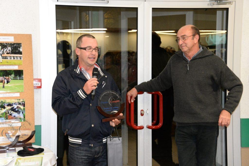 Saint Cyr du Doret : Trophée du meilleur concours national 2014
