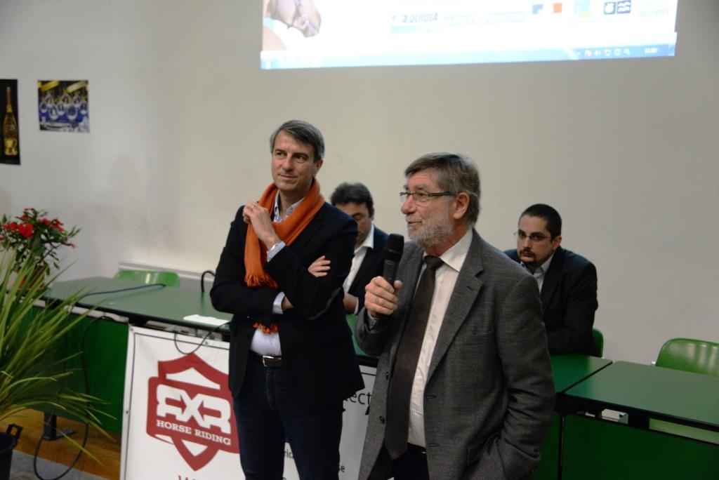 Jean-Michel Marchand, maire de Saumur, nous a fait l'honneur de sa présence samedi (ici avec Didier Livio) - photo Pierre Barki
