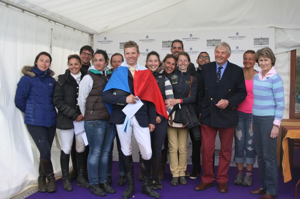 L'équipe à la remise des prix autour de Cédric Bibard