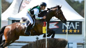 Christopher Burton trace sereinement sa route vers Tryon.