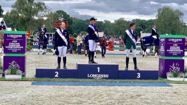 Luhmühlen J4 : Ingrid Klimke, double Championne d'Europe