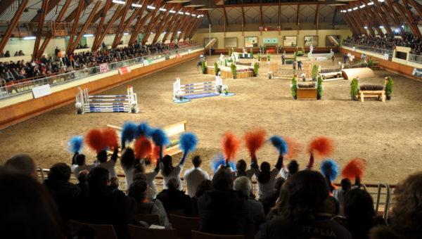Challenge des supporters pendant le Cross Indoor de Saumur