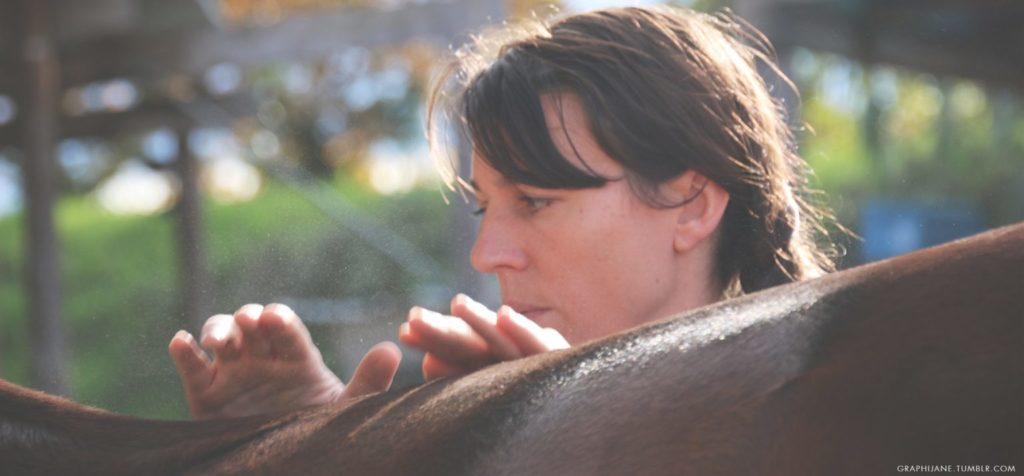 Portrait d'adhérente : Delphine Vandecasteele, masseuse équin